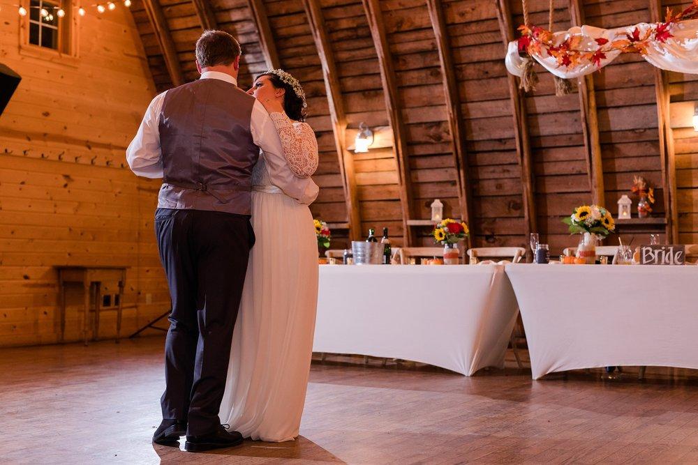 Amber Langerud_Rustic Oaks, MN winter barn wedding_0560.jpg