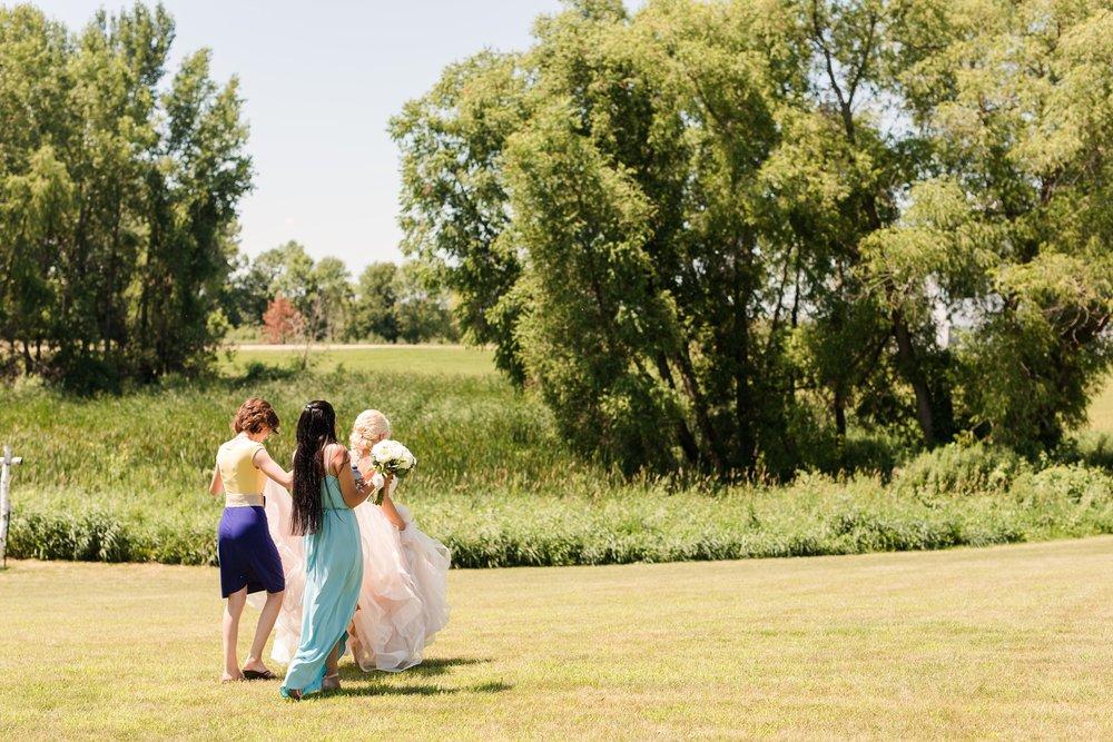 Amber Langerud Photography_Minnesota Barn Wedding_5135.jpg