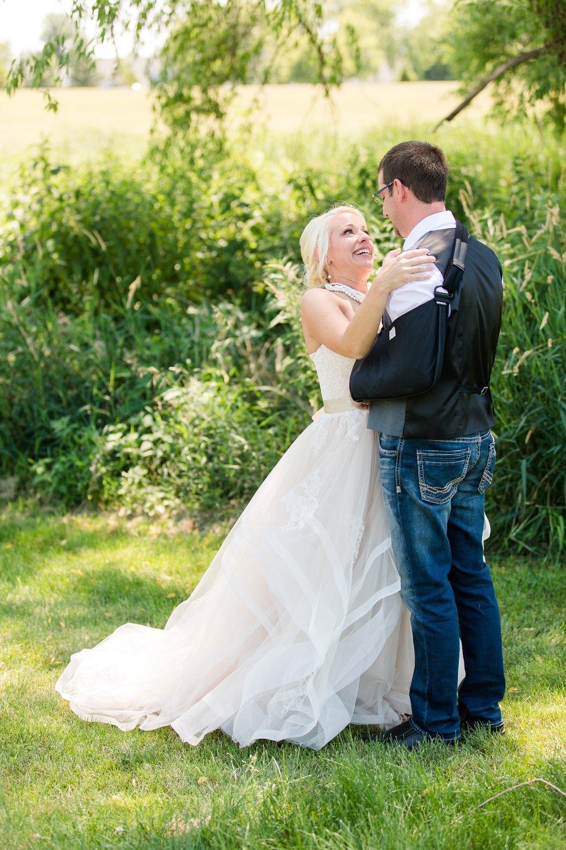 Amber Langerud Photography_Minnesota Barn Wedding_5138.jpg