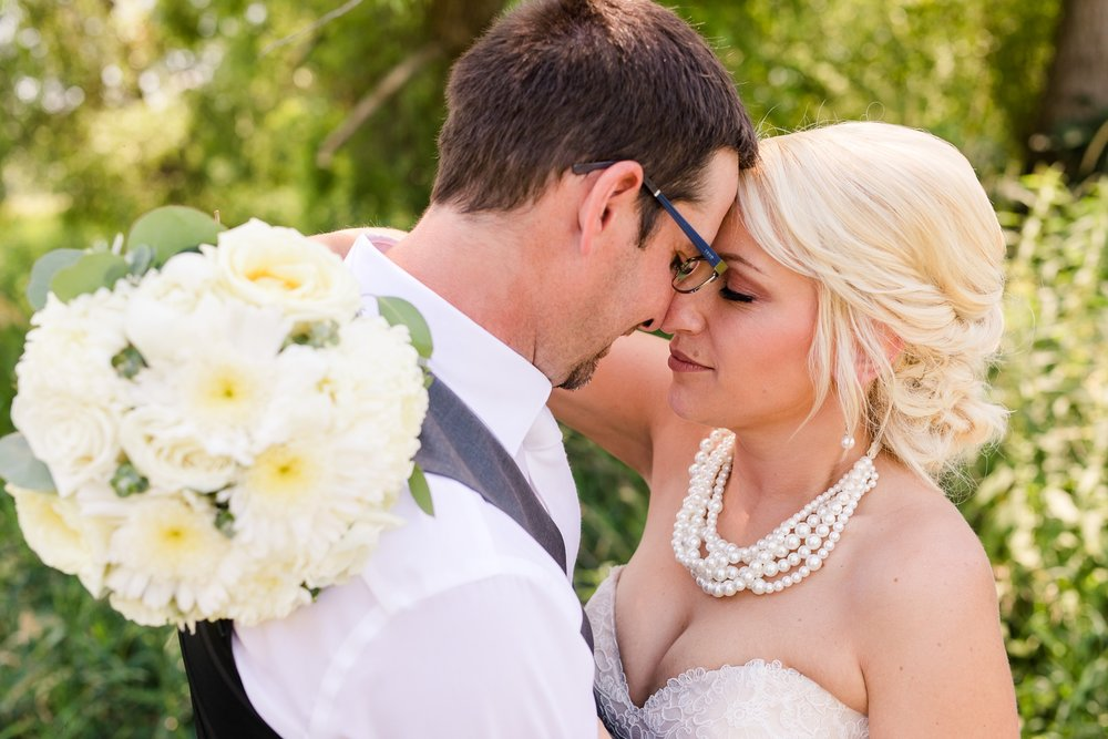 Amber Langerud Photography_Minnesota Barn Wedding_5143.jpg