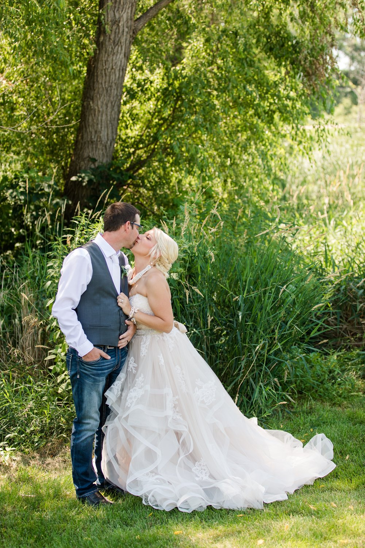 Amber Langerud Photography_Minnesota Barn Wedding_5142.jpg