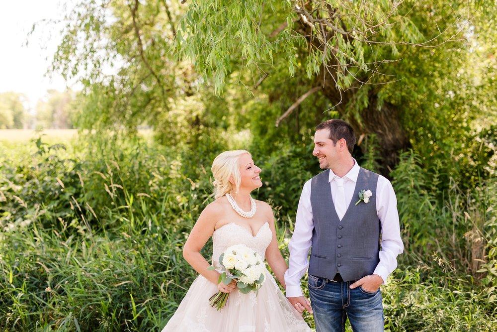 Amber Langerud Photography_Minnesota Barn Wedding_5145.jpg