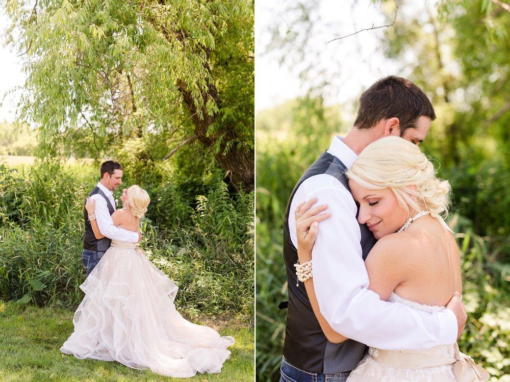 Amber Langerud Photography_Minnesota Barn Wedding_5150.jpg