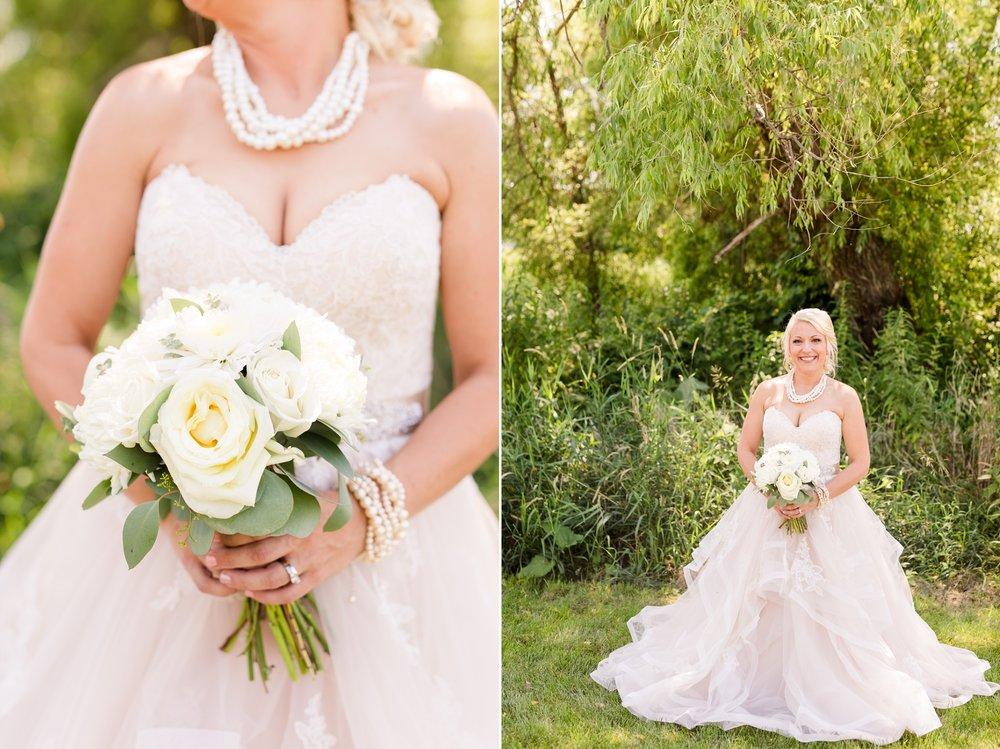 Amber Langerud Photography_Minnesota Barn Wedding_5152.jpg