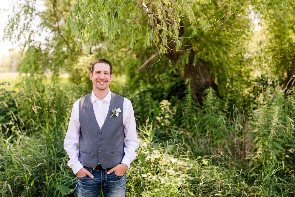 Amber Langerud Photography_Minnesota Barn Wedding_5151.jpg