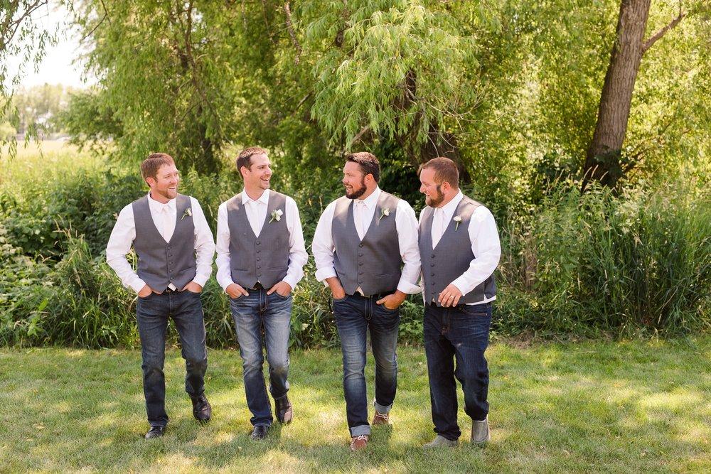 Amber Langerud Photography_Minnesota Barn Wedding_5163.jpg