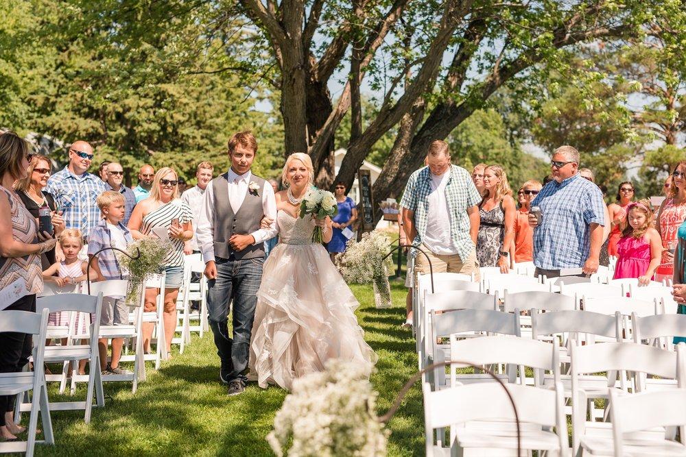 Amber Langerud Photography_Minnesota Barn Wedding_5173.jpg