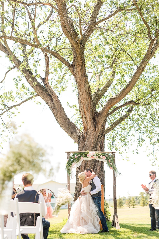 Amber Langerud Photography_Minnesota Barn Wedding_5179.jpg