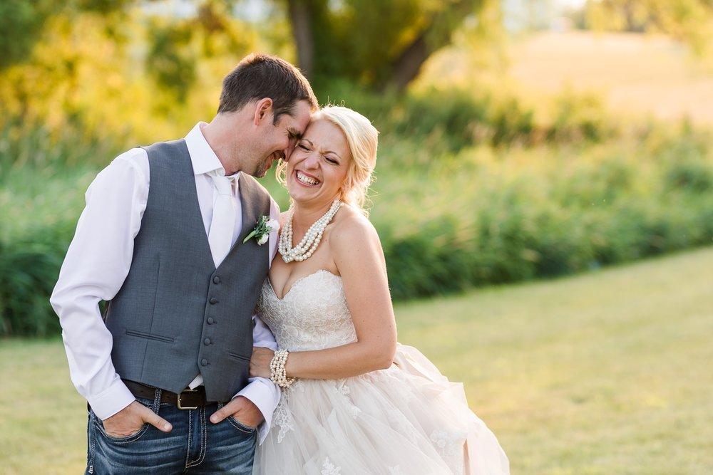 Amber Langerud Photography_Minnesota Barn Wedding_5200.jpg