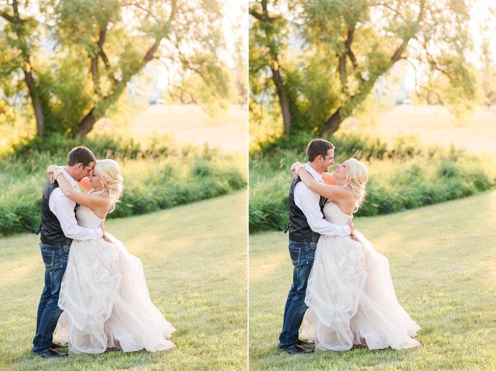 Amber Langerud Photography_Minnesota Barn Wedding_5203.jpg