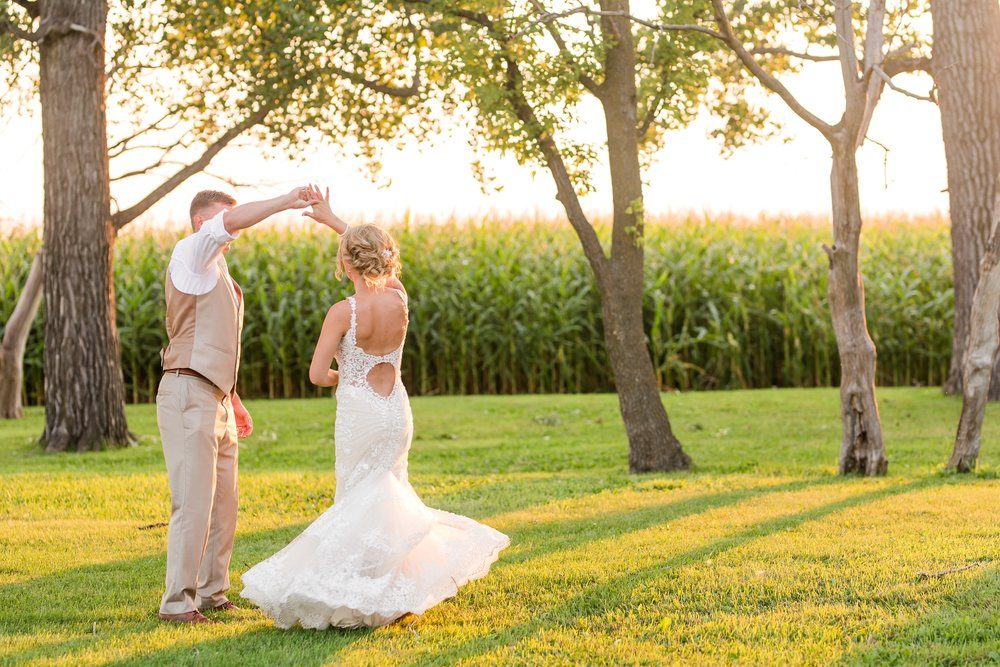 Amber Langerud Photography_Vintage Garden Minnesota Barn Wedding_5292.jpg