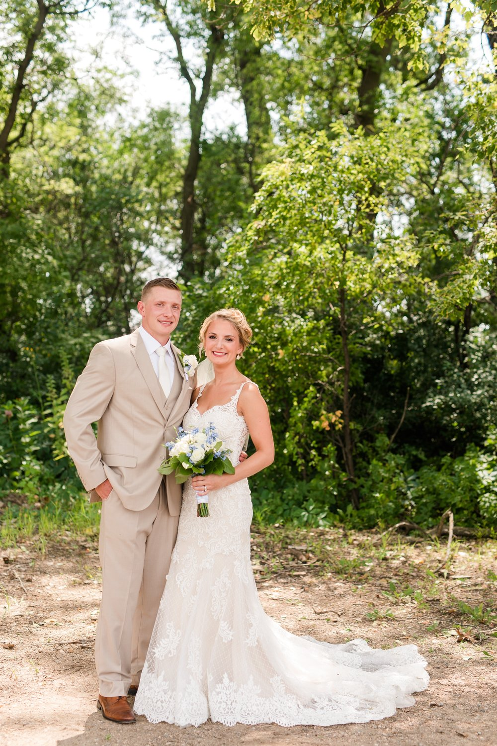 Amber Langerud Photography_Vintage Garden Minnesota Barn Wedding_5321.jpg