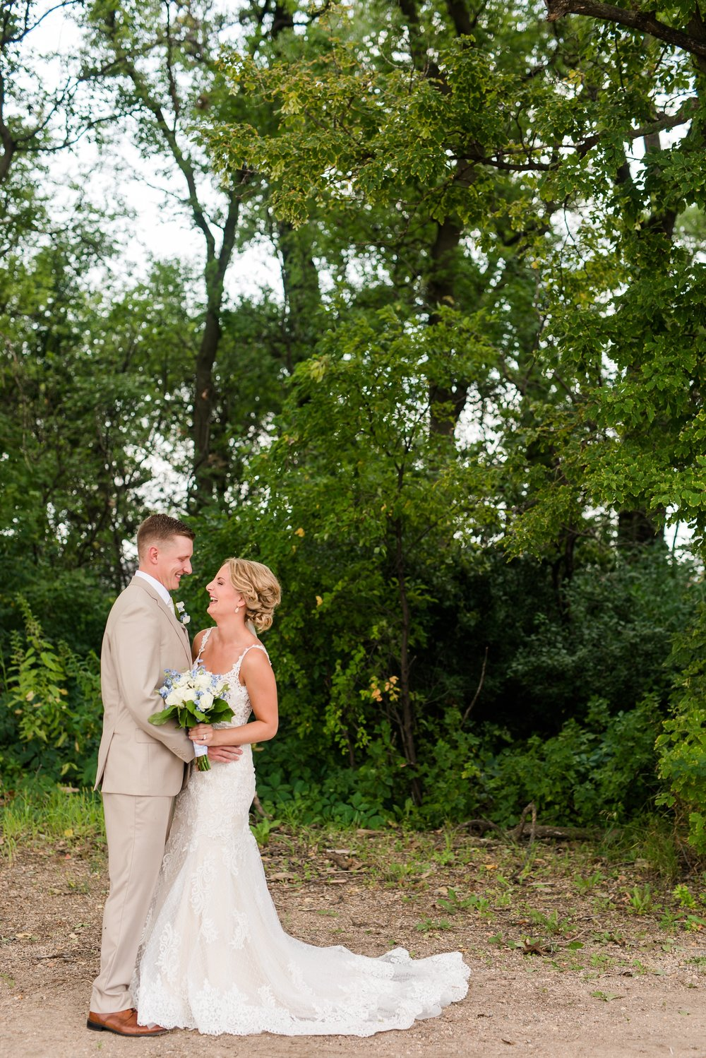 Amber Langerud Photography_Vintage Garden Minnesota Barn Wedding_5324.jpg