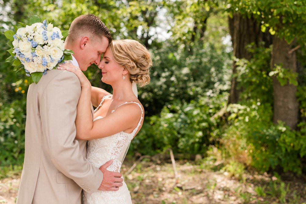 Amber Langerud Photography_Vintage Garden Minnesota Barn Wedding_5325.jpg