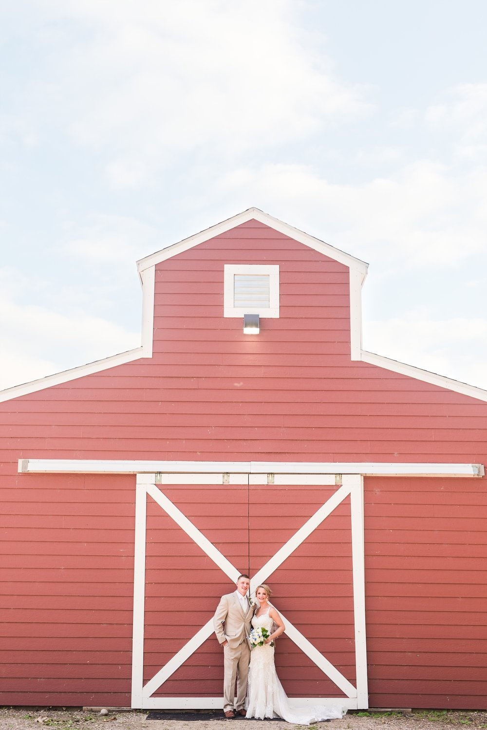 Amber Langerud Photography_Vintage Garden Minnesota Barn Wedding_5335.jpg