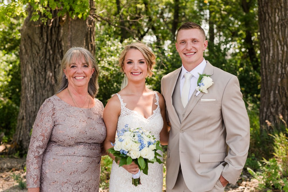 Amber Langerud Photography_Vintage Garden Minnesota Barn Wedding_5357.jpg