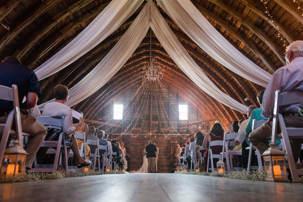 Amber Langerud Photography_Vintage Garden Minnesota Barn Wedding_5366.jpg