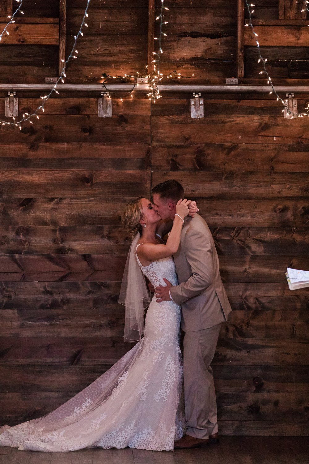 Amber Langerud Photography_Vintage Garden Minnesota Barn Wedding_5369.jpg