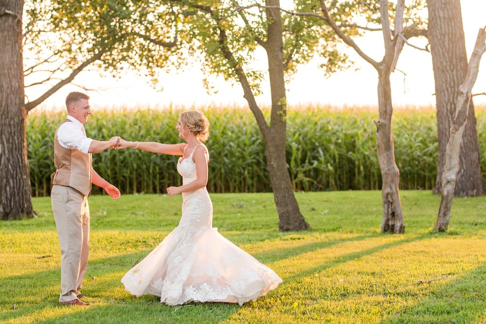 Amber Langerud Photography_Vintage Garden Minnesota Barn Wedding_5395.jpg