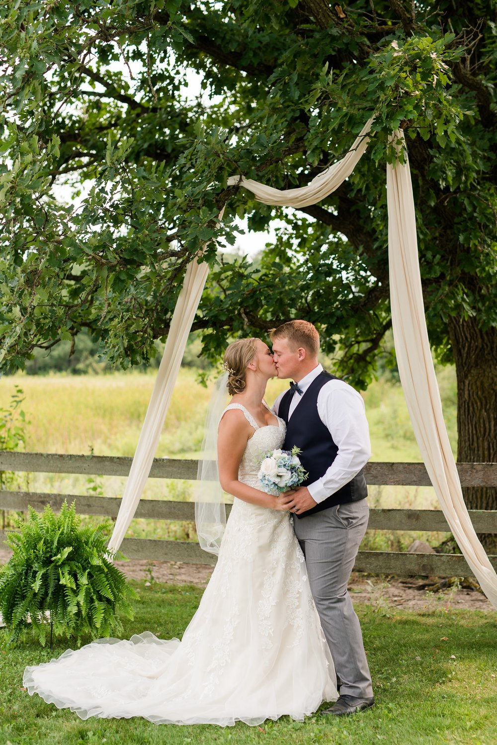 Amber Langerud Photography_Farmsite, Country Wedding_5574.jpg