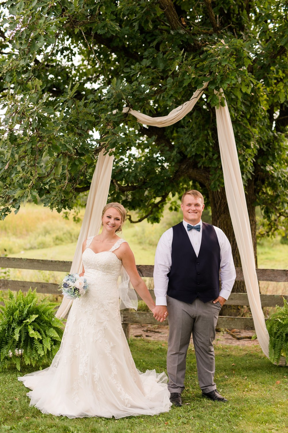 Amber Langerud Photography_Farmsite, Country Wedding_5579.jpg