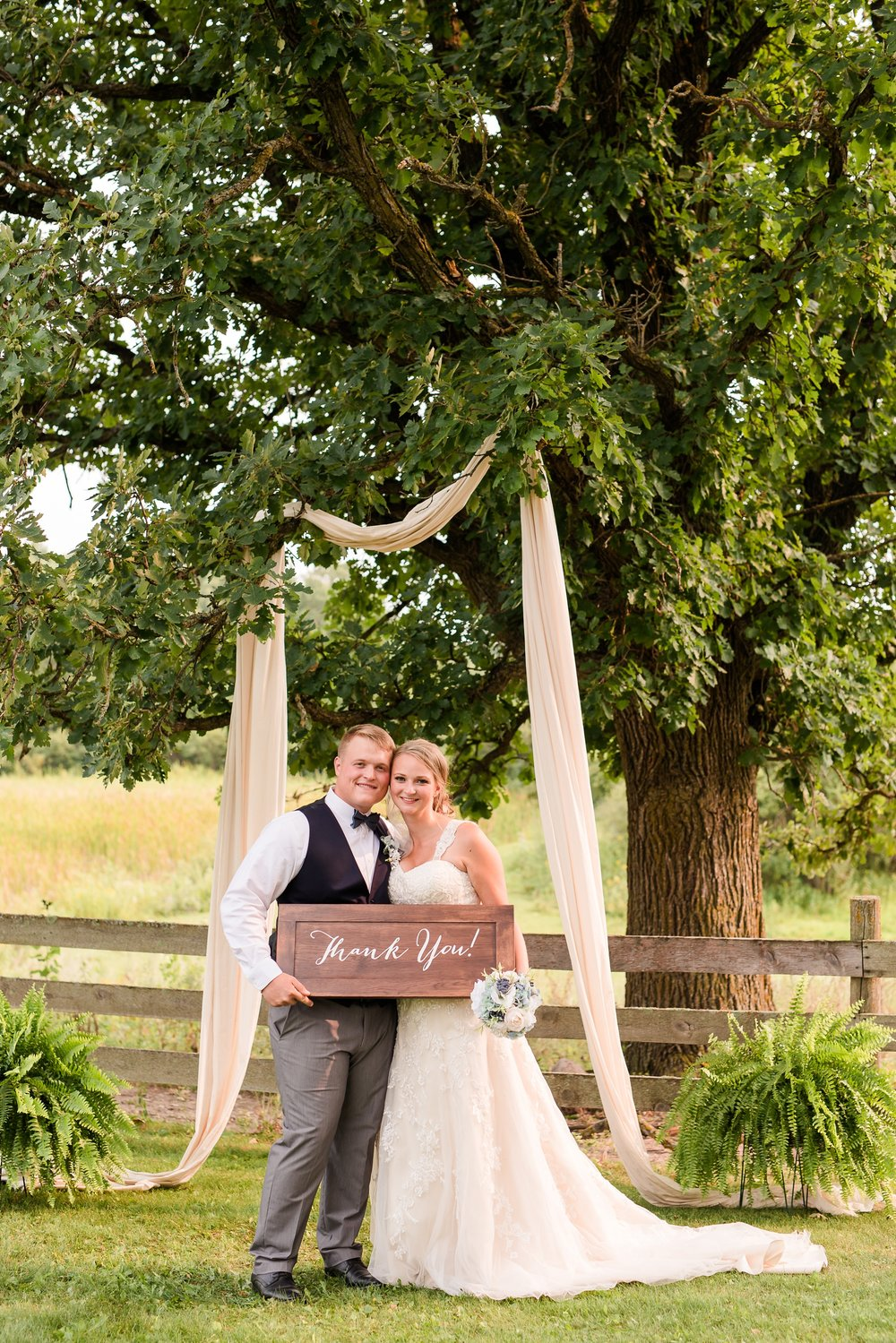 Amber Langerud Photography_Farmsite, Country Wedding_5629.jpg