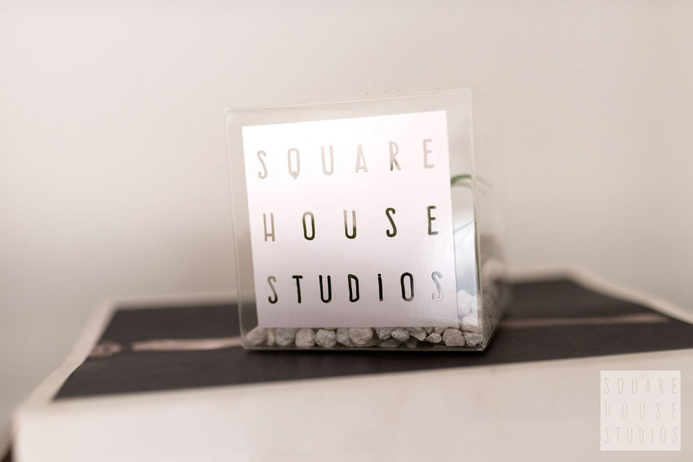 squarehouse-studios-Detail-Cube-on-Books.jpg