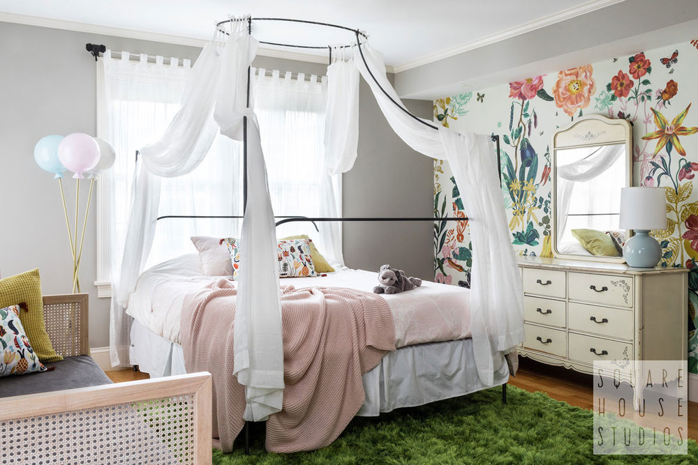 girls-kids-bedroom-shabby-chic-modern-poster-bed.jpg