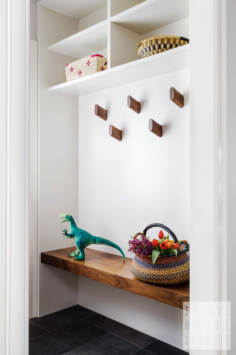 mudroom-built in-modern.jpg