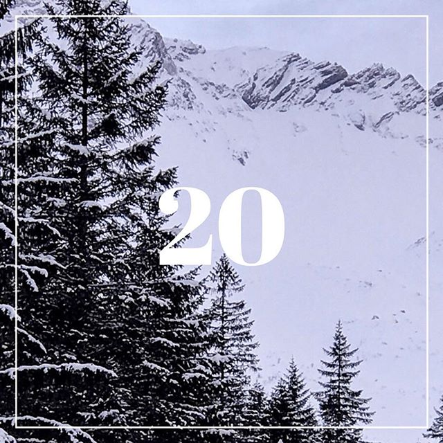 Day 20.⠀ New Journal.⠀ ⠀ It might sound a bit early, but I think it's the perfect time now to set your new journal for 2019. You could imagine how your next year would be and spend more meaningful Christmas time. ⠀ ⠀ It'll take some time to set the pages, and write down your plans, dreams, goals, etc. ⠀ ⠀ Less is more. Simplicity is enough. It doesn't need any special drawings or decorations. Of course, If you have those skills, you're lucky!!⠀ ⠀ Collecting ideas in one place is really valuable, and I hope that next year will be more organized with the new journal.🤞🏻 ⠀ ⠀ #SiAdventCalendar