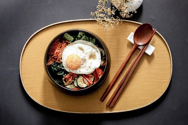 Sometimes we feel lazy to cook every time, and I do. ⠀ ⠀ One bowl food is pretty convenient, and my favorite one is bibimbap. As much as I love bibimbap, I agree that a long preparation is needed, but over time, I figured out how to make it super easy. When I saute different veggies, I cook some of them together, such as paprika, zucchini, and onion. Also, I recommend buying shredded carrots. Once I prepare all the veggies, then it's easy peasy. Just need to layer them over rice beautifully. ⠀ ⠀ Please check the link in bio, if you want to learn more about the recipe.  #kitchenbysi