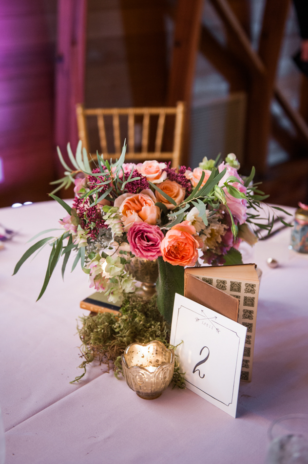 Bothell Wedding Reception at Russell's | Seattle Wedding Coordination | New Creations Wedding Design and Coordination