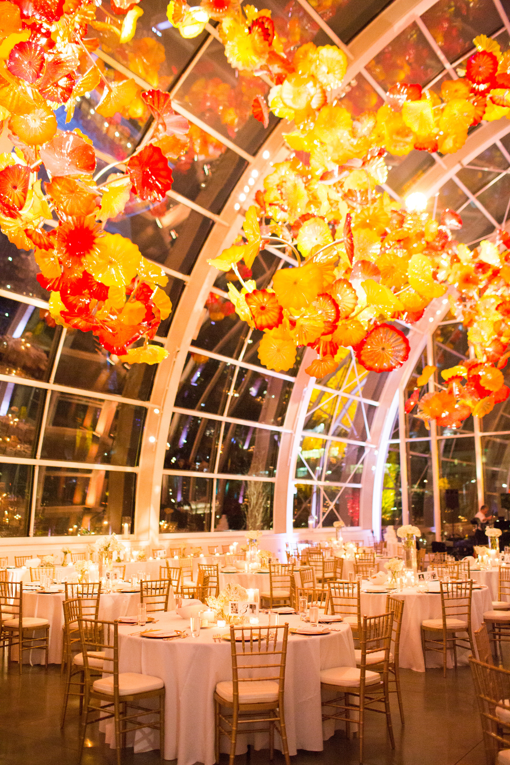 Chihuly Glass and Garden Wedding | Seattle Wedding Venue | New Creations Wedding Design and Coordination