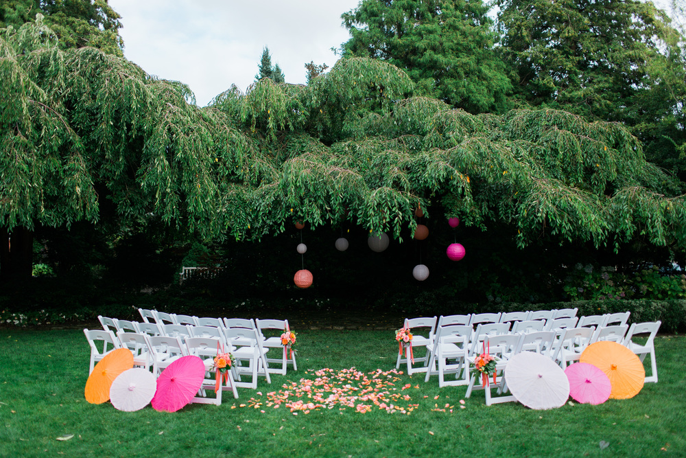 Parsons Gardens Wedding | Chinese Lanterns | Paper Umbrella | Asgari Photography | Seattle Wedding Planner | Chinese Wedding Planner
