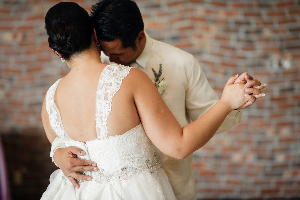 First Dance | Joe and Patience Photography | Filipino Wedding Planner | Seattle Wedding Planner | Ballard Bay Club Wedding