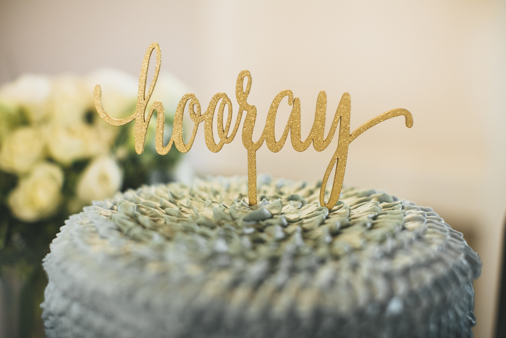 "Etsy ""Hooray"" Gold Cake Topper"