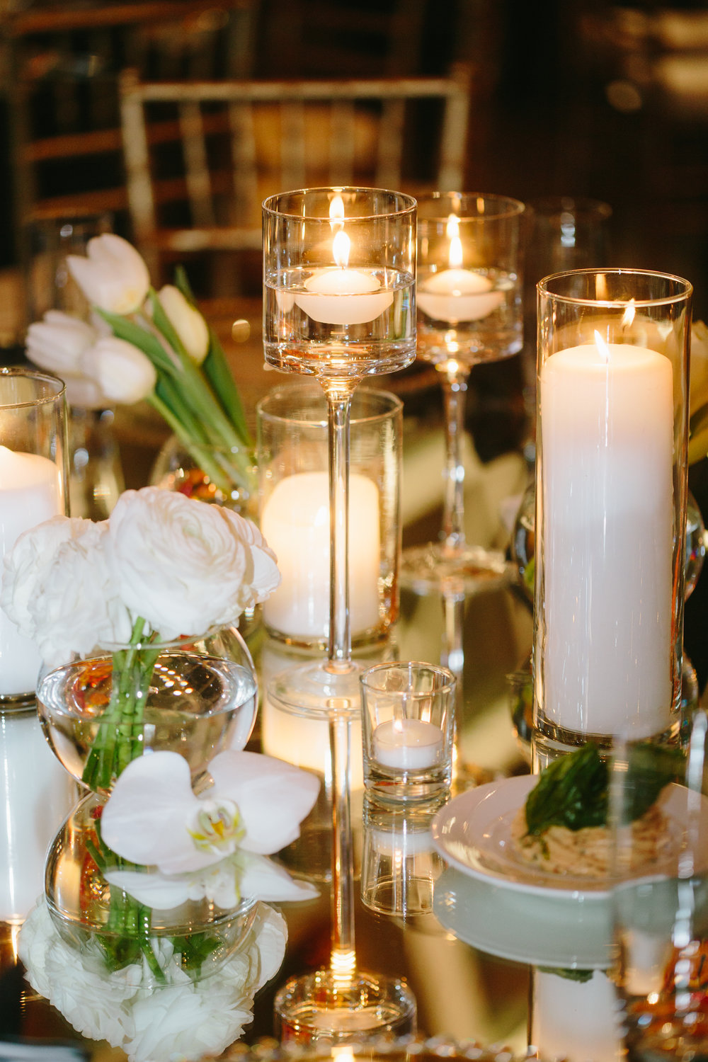 Modern Black White and Gold Wedding at Chihuly Garden and Glass with ...