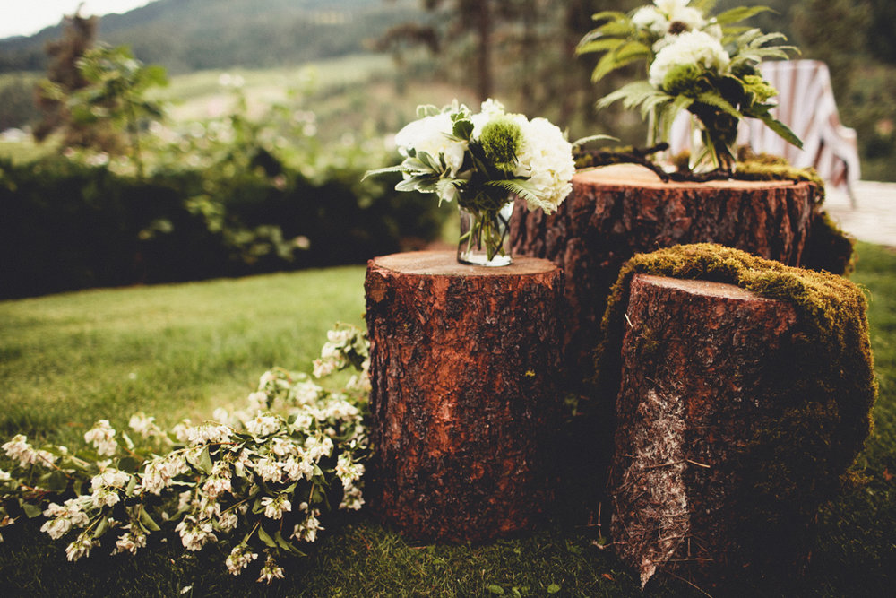 Rustic Wedding Decor Ideas at this Leavenworth Wedding Day