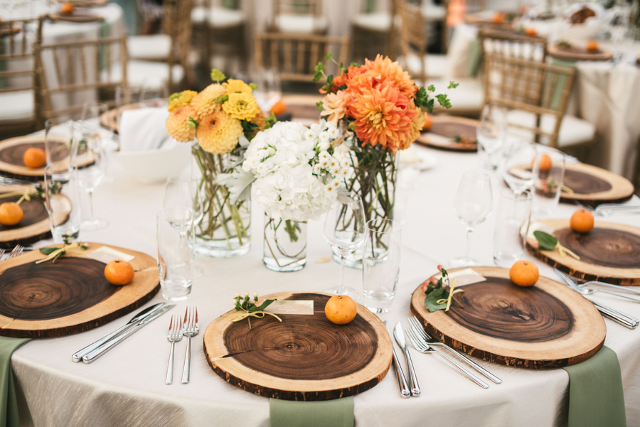 Romantic Summer Wedding At Chihuly Garden And Glass By Seattle
