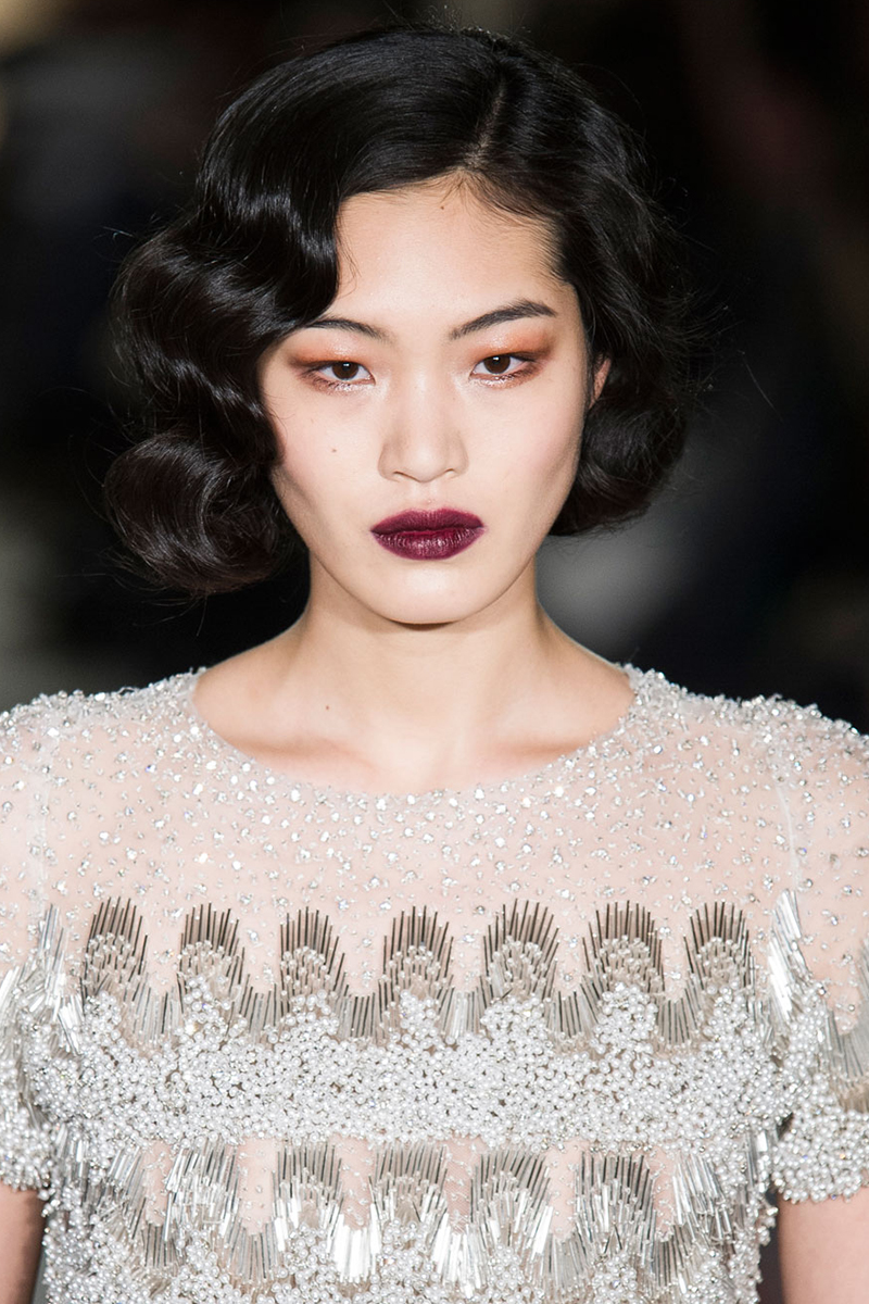 hbz-fw2015-trends-beauty-90s-red-lip-marchesa-clpi-rf15-1380_1.jpg