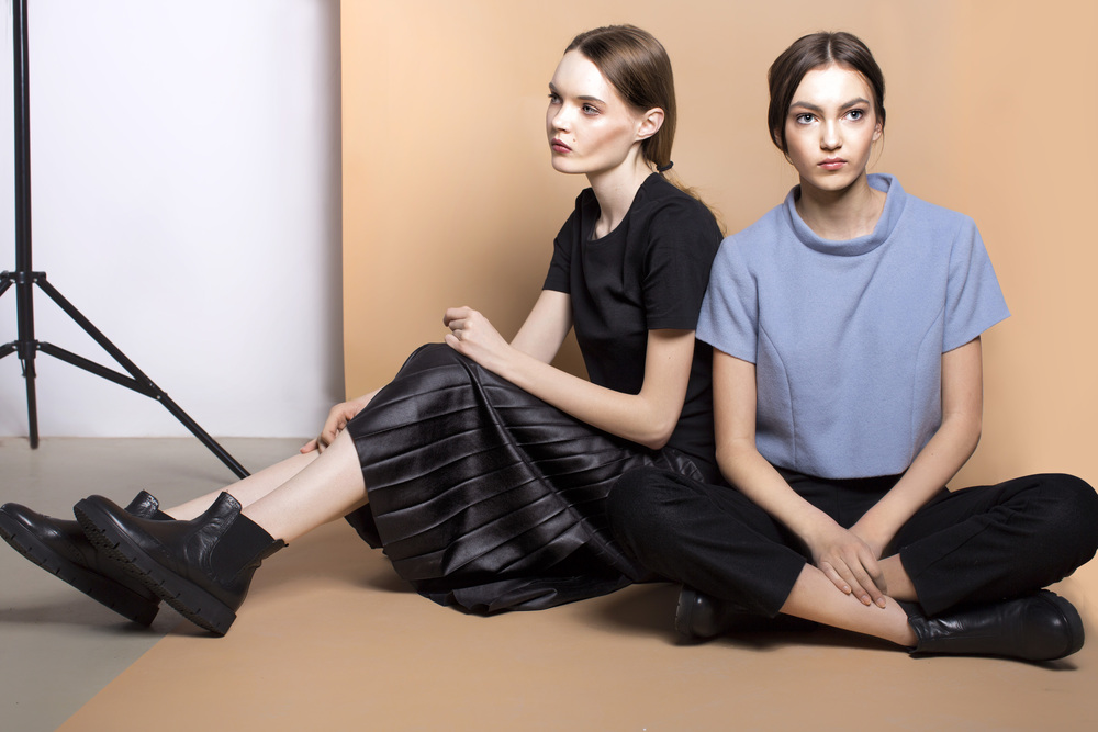 Left: t-shirt CHRISTIAN BERG, skirt PLISSIMA, shoes DEICHMANN; Right: blouse and pants JOANNA JACHOWICZ, shoes VAGABOND