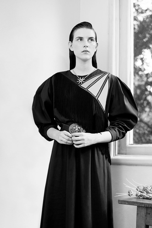 Vestido – Juliana Jabour  Cinto – Acervo