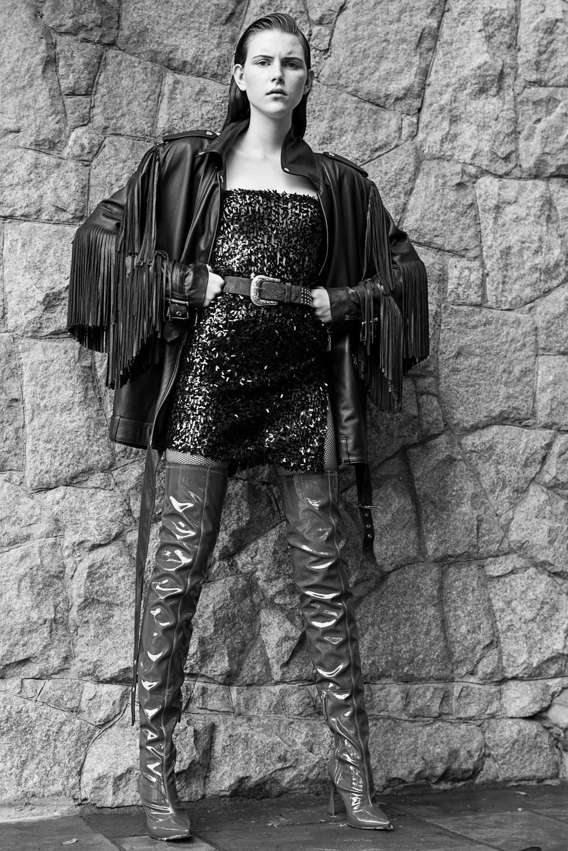 Jaqueta – Juliana Jabour  Vestido – Anderson Reis Couture  Botas – Tufi Duek