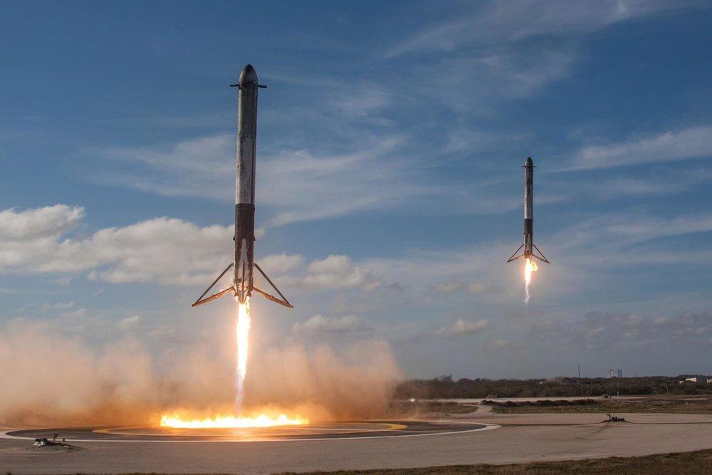Falcon-Heavy-Boosters-Landing-1.jpg