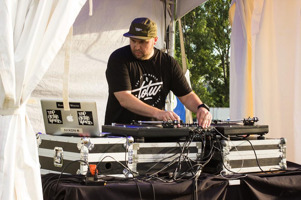 DJ Acro