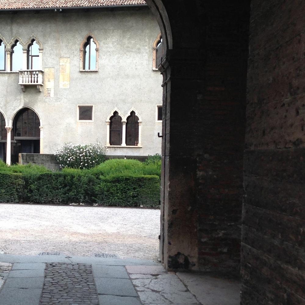 Gate. castelvecchio museum, Verona. (Scarpa, restored 1973)