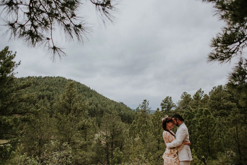 0000000000000000000068_Dwan-Light-Sanctuary-Wedding-Photos_Johnson-Mumford_Rainbow-Wedding_Montezuma-New-Mexico-Wedding-Photography-56.jpg