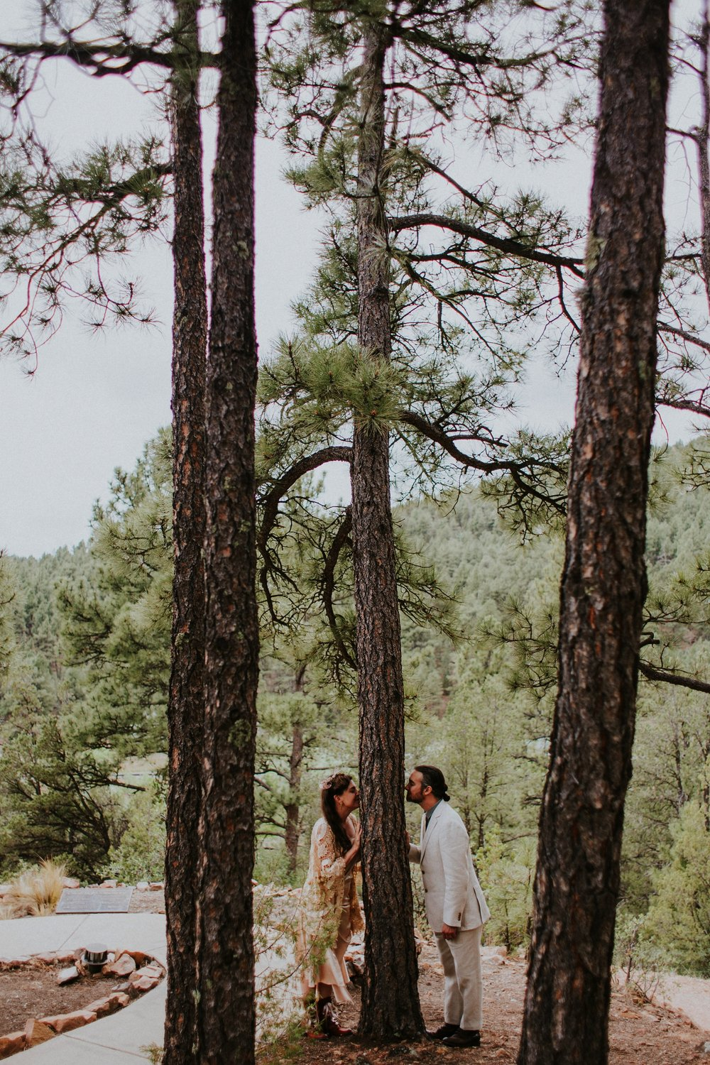 0000000000000000000082_Dwan-Light-Sanctuary-Wedding-Photos_Johnson-Mumford_Rainbow-Wedding_Montezuma-New-Mexico-Wedding-Photography-81.jpg
