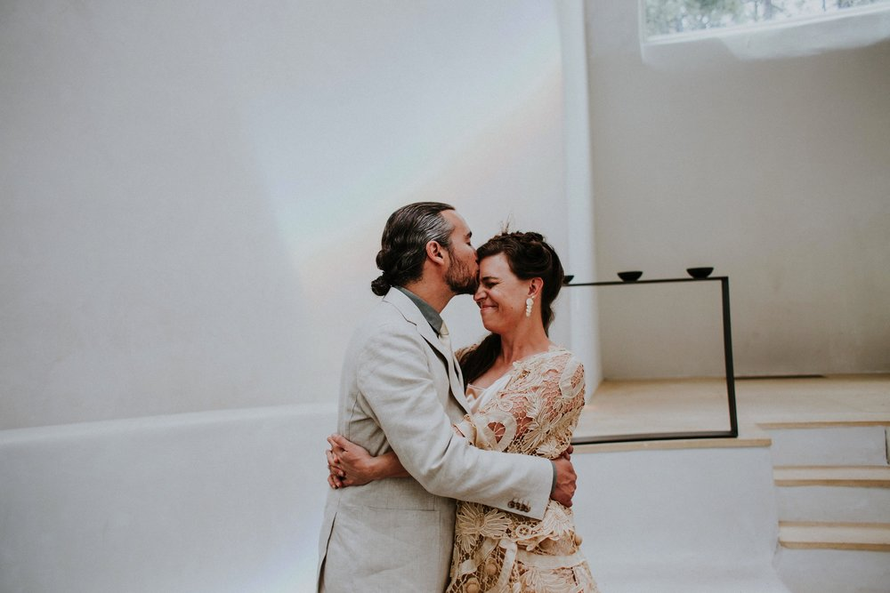 0000000000000000000085_Dwan-Light-Sanctuary-Wedding-Photos_Johnson-Mumford_Rainbow-Wedding_Montezuma-New-Mexico-Wedding-Photography-80.jpg