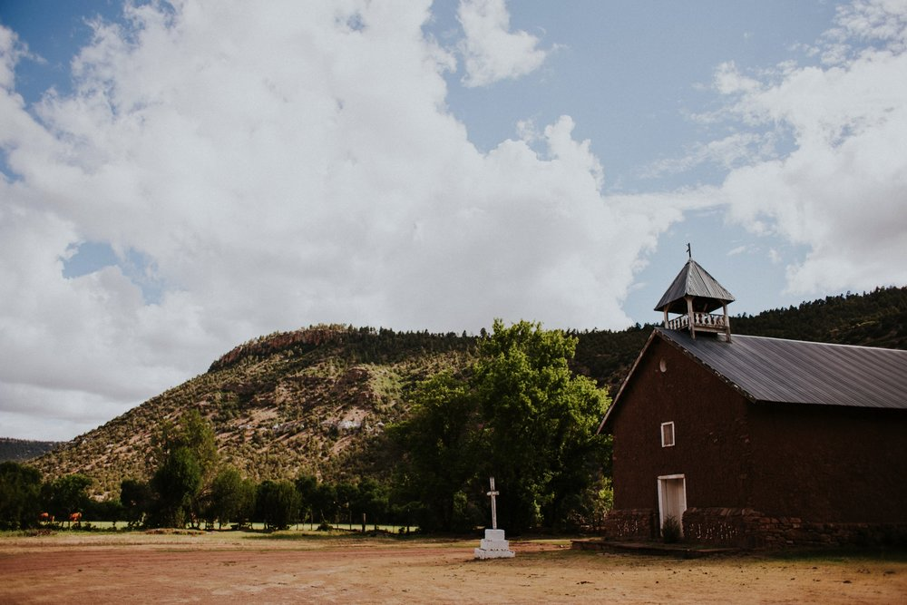 0000000000000000000087_Dwan-Light-Sanctuary-Wedding-Photos_Johnson-Mumford_Rainbow-Wedding_Montezuma-New-Mexico-Wedding-Photography-94.jpg